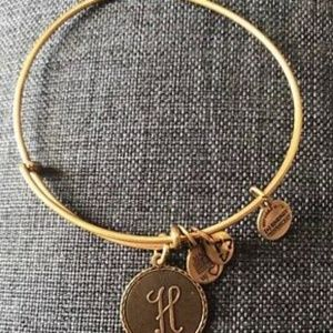 Rare antique gold H initial bracelet
